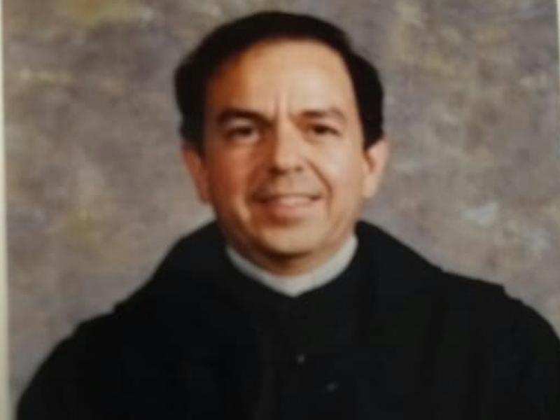 Padre Carlos Ignacio Suárez García.